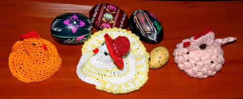 Trzy kurczaczki się spotkały i pisankę dać nam chciały. Z jajka woda wyleciała, śmigus - dyngus obwieszczała. Wesołego Alleluja!