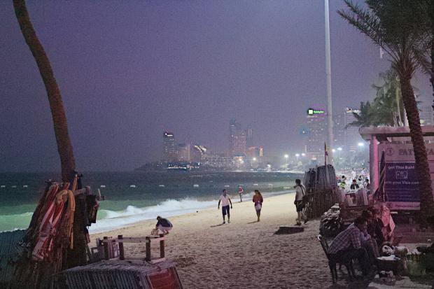 Wieczorny soacer po plaży w Pattaya #azja #pattaya #tajlandia